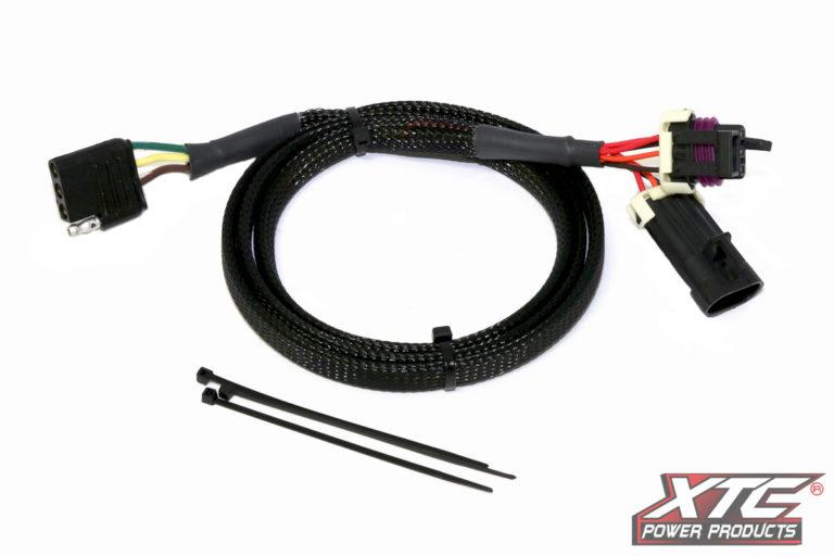 Universal Plug & Play™ 3 Pin to 4 Pin Flat Trailer Connector